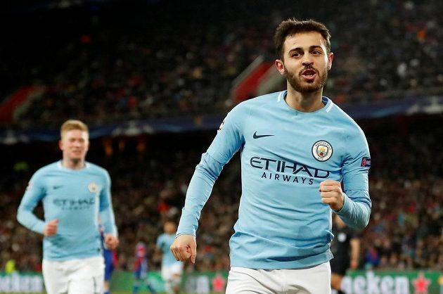 Bernardo Silva z Manchesteru City se raduje z gólu proti Basileji.