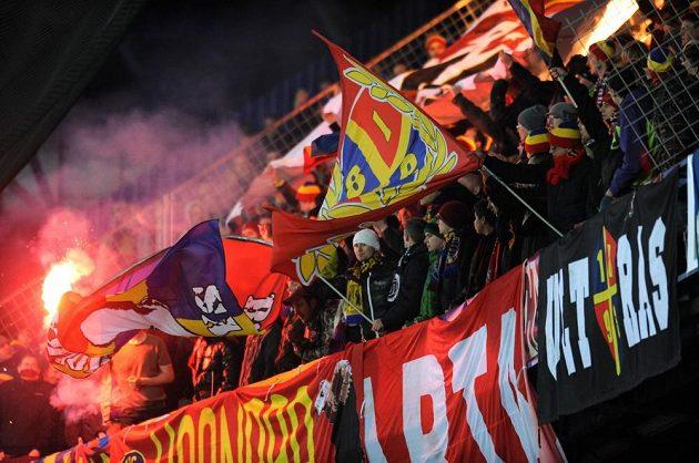Fanoušci Sparty během zápasu s Plzní.