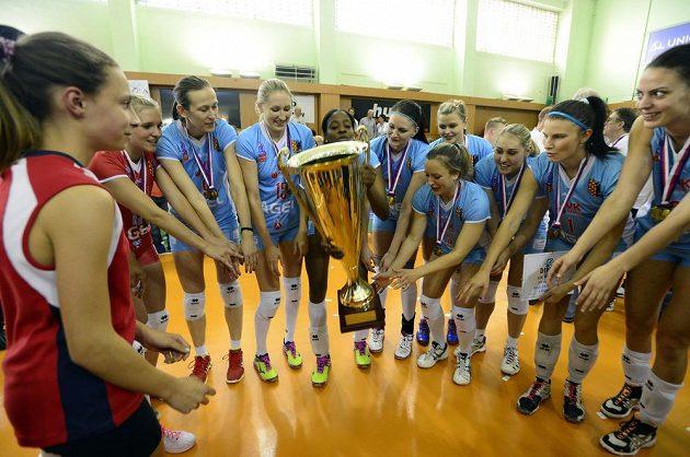 Volejbalistky Prostějova slaví, ani letos v extralize nenašly přemožitelky.