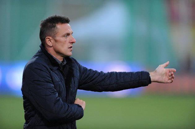 Trenér Dukly Praha Luboš Kozel.