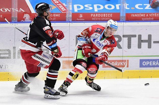 Hokejisté HC Dynamo Pardubice v souboji o extraligové body s HC Olomouc.