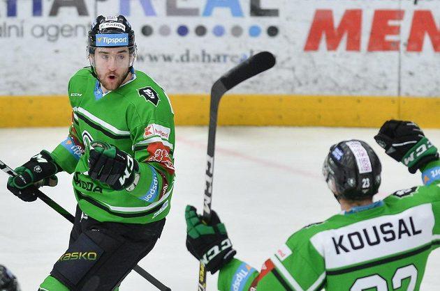 Hráči Mladé Boleslavi se radují z gólu, zleva Ondřej Najman a Pavel Kousal.