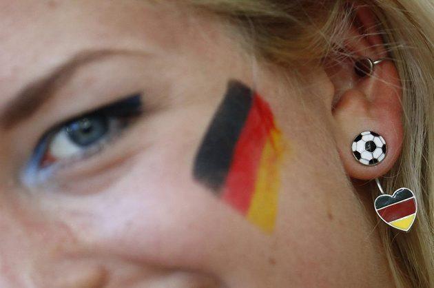 Německá fanynka se na semifinálový zápas s Francií pořádně zkrášlila.
