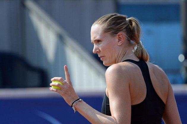 Česká tenistka Nicole Vaidišová na pražské Štvanici proti Elici Kostovové z Bulharska.