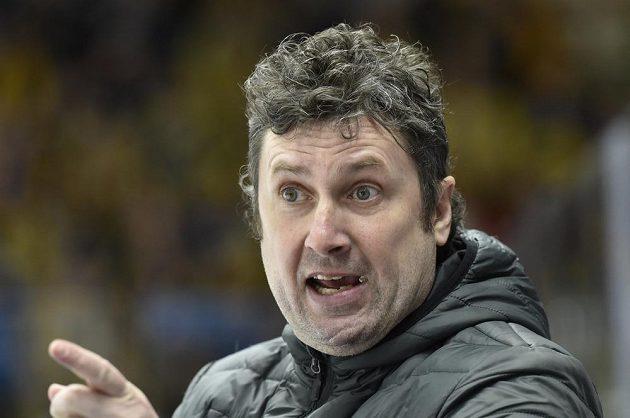 Trenér Zlína Robert Svoboda během utkání s Brnem.