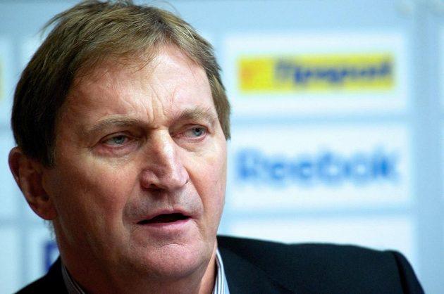 Trenér hokejové reprezentace Alois Hadamczik na středeční tiskové konferenci v Praze.