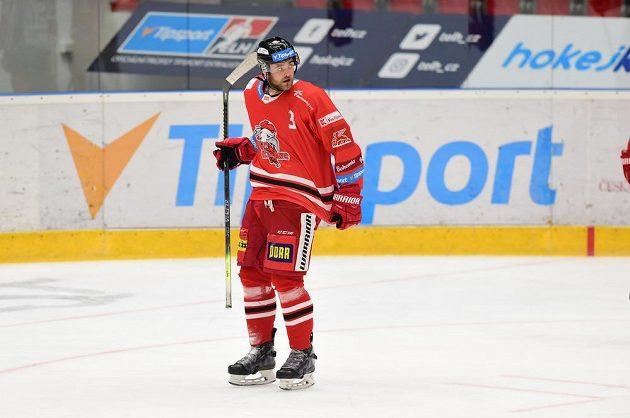Olomoucký hokejista David Škůrek v akci.