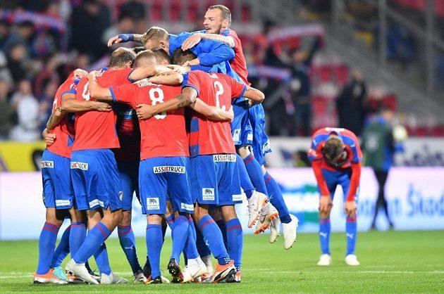Plzeňská radost po vítězství nad Spartou ve šlágru fotbalové ligy.