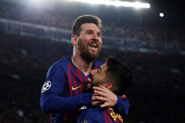 Barcelonský Lionel Messi slaví gól v semifinále Ligy mistrů.