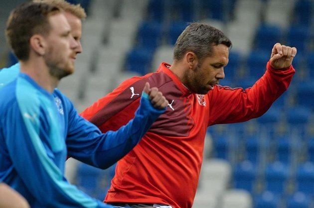 Asistent kouče plzeňských fotbalistů Pavel Horváth během tréninku před úvodním utkáním s Vojvodinou.