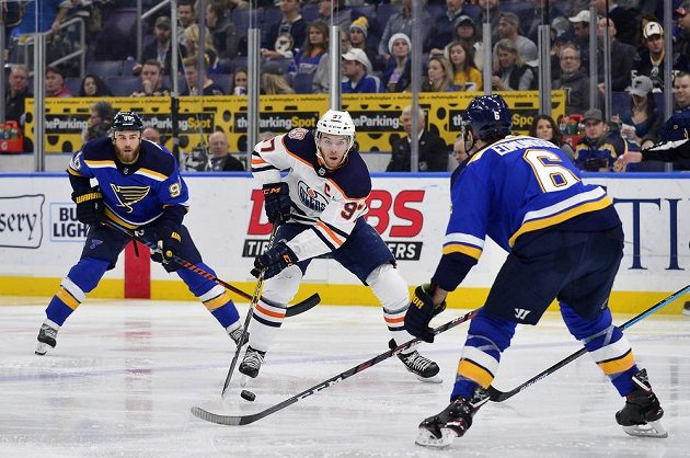 Edmonton si připsal vítězství po samostatných nájezdech