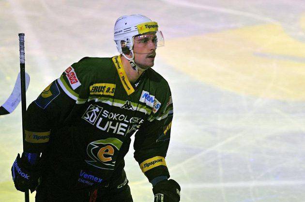 Karlovarský útočník Radim Hruška otevřel skóre západočeského derby.
