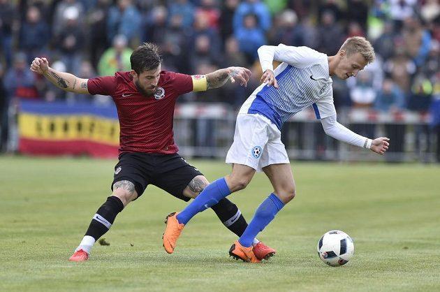 Zleva Lukáš Vácha ze Sparty a Vojtěch Haala z Polné ve 3. kole MOL Cupu.
