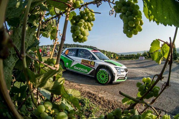 Jan Kopecký se Škodou Fabia R5 na trati Německé rallye.