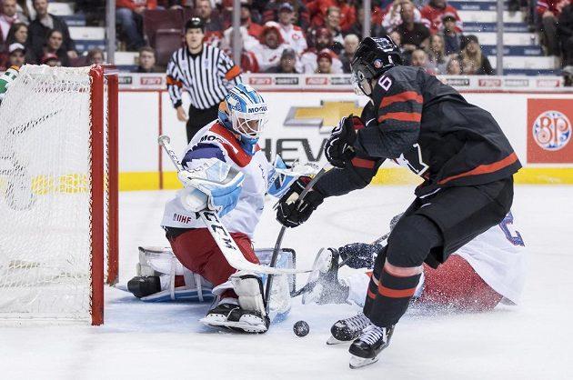 Proti Kanadě se poprvé na MS dvacítek dostal do branky i Jakub Škarek, inkasoval jeden gól.