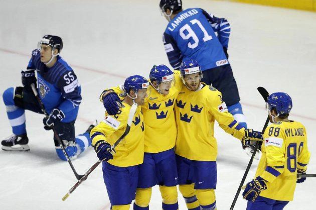 Švédští hokejisté se radují z vyrovnání