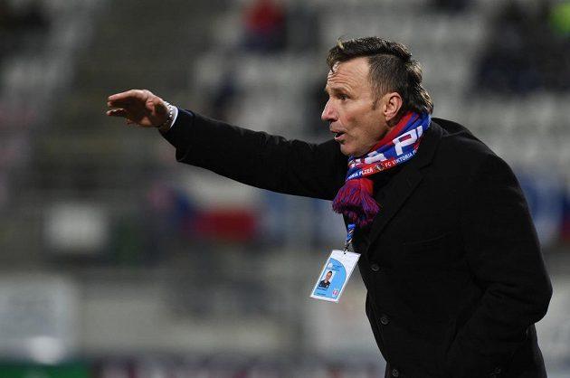 Trenér Plzně Karel Krejčí při utkání v Olomouci.