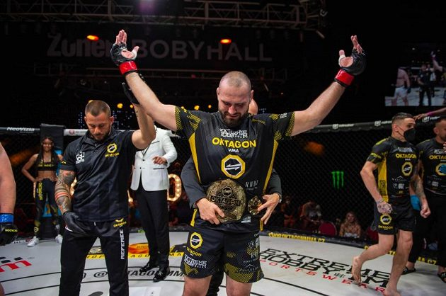 Martin Buday se stal na turnaji OKTAGON 25 novým šampionem těžké váhy.
