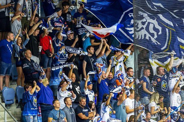 Fanoušci Kladna se v chomutovském azylu radují z gólu.
