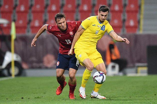 Český fotbalový útočník Stanislav Tecl v akci během přípravného utkání s Ukrajinou.