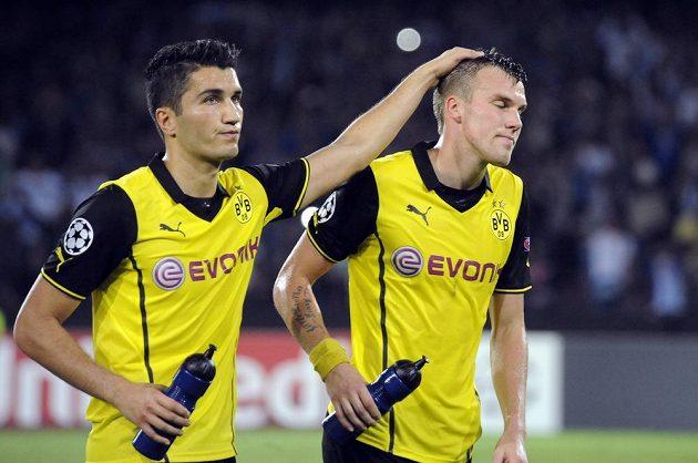Zklamaní fotbalisté Dortmundu po porážce v Neapoli. Zleva Nurl Sahin a Kevin Grosskreutz.