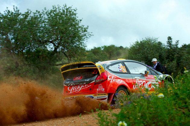 Martin Prokop s Fordem Fiesta WRC na trati Portugalské rallye.