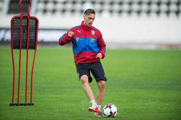 Václav Kadlec při tréninku národního týmu na zápasy s Arménií a Sverním Irskem.