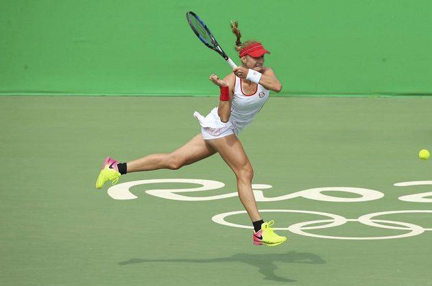 Jekatěrina Makarovová z Ruska v souboji s Petrou Kvitovou ve třetím kole olympijského tunaje.
