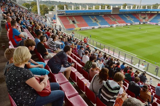 Zhruba dva tisíce diváků sledovaly středeční trénink fotbalové reprezentace.