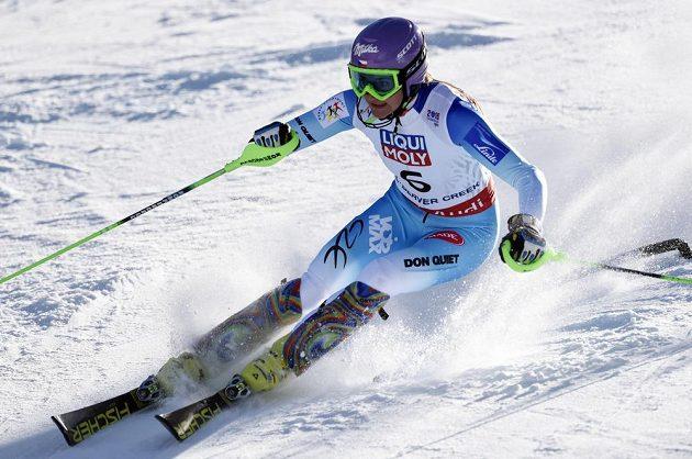 Česká lyžařka Šárka Strachová zajela v prvním kole slalomu na MS v Beaver Creeku třetí nejrychlejší čas.