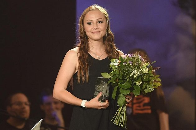 Tereza Voborníková převzala ocenění za vítězství v anketě o nejlepšího českého biatlonistu sezony 2018/19 v kategorii Talent roku