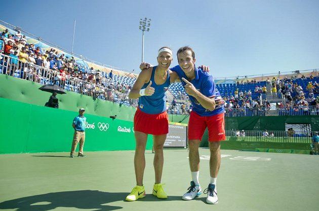 Medaile je doma! Radek Štěpánek a Lucie Hradecká získali pro ČR třetí tenisový bronz.