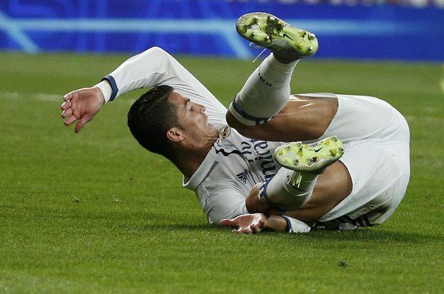 Cristiano Ronaldo během utkání Ligy mistrů proti svému někdejšímu týmu Sportingu Lisabon.