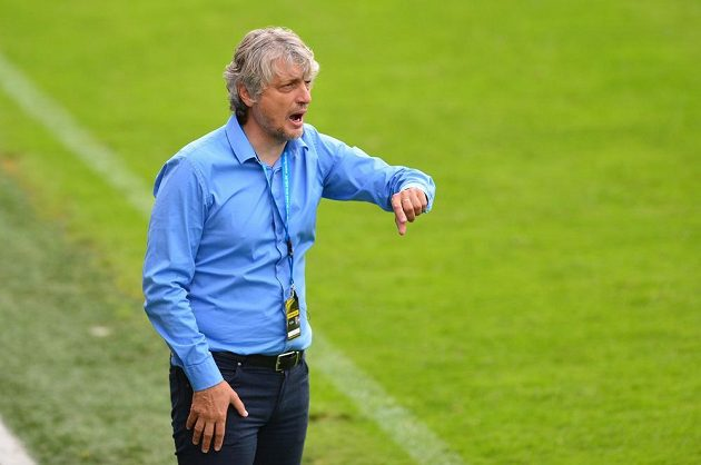 Trenér fotbalové Mladé Boleslavi Jozef Weber.