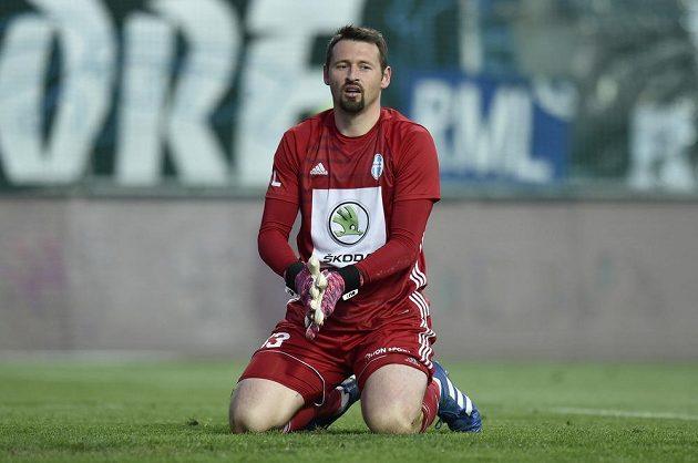 Překonaný brankář Mladé Boleslavi Jan Šeda.