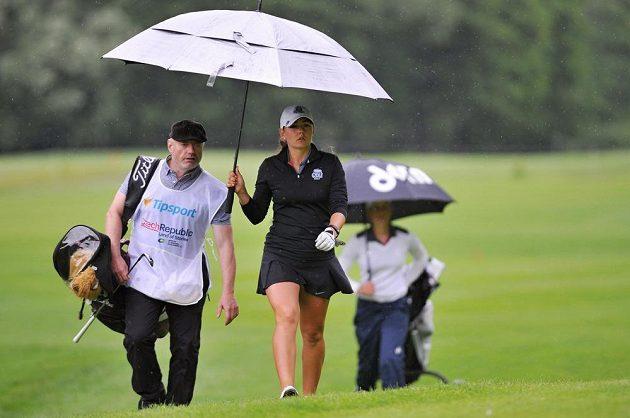 Kateřina Vlašinová při úvodním kole turnaje Tipsport Golf Masters série Ladies European Tour v Dýšině.