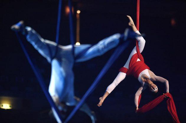 Slavnostní zahájení halového mistrovství Evropy v atletice ozdobily akrobatické kousky.