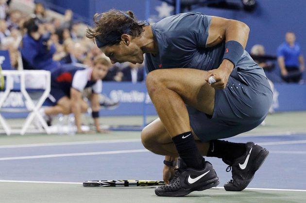 Rafael Nadal se raduje z vítězství ve třetím setu finále US Open proti Novaku Djokovičovi.