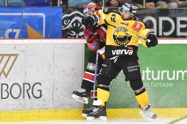 Nedělní zápas 16. kola extraligy mezi týmy Mountfield Hradec Králové a HC Verva Litvínov byl pořádně dramatický.
