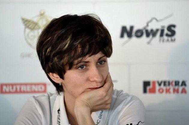 Rychlobruslařka Martina Sáblíková na tiskové konferenci v Praze.