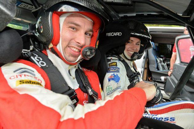 Petr Koukal s australskou závodnicí Molly Taylorovou při Barum rallye 2013.