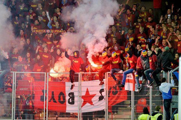 Fanoušci Sparty během pražského derby.