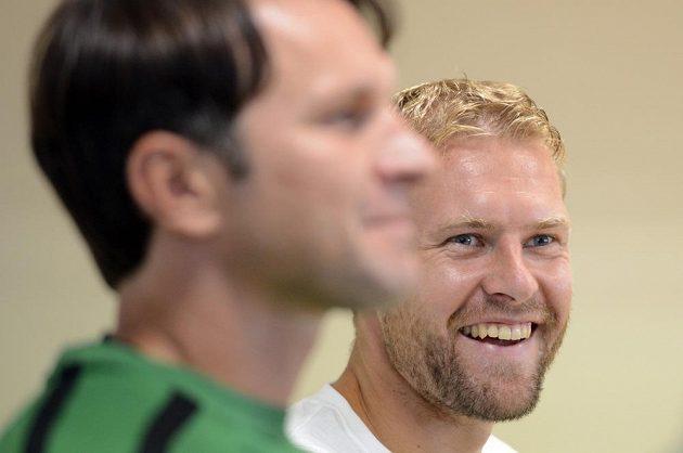 Kapitán jabloneckých fotbalistů Karel Piták (vpravo) před úvodním utkáním třetího předkola Evropské ligy s norským týmem Strömsgodset IF.