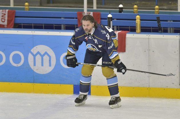 Hokejový útočník Jaromír Jágr při rozbruslení před zápasem, ve kterém nastoupil za Kladno poprvé v sezoně.