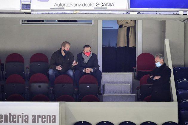 Zleva sportovní ředitel Pardubic Dušan Salfický a investor Pardubic Petr Dědek
