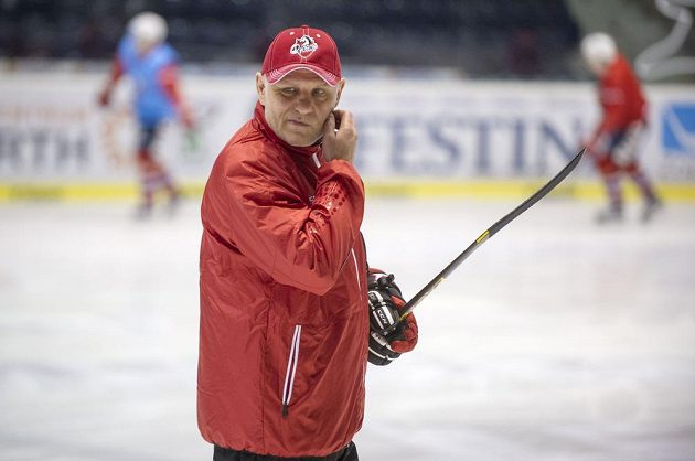 Hokejisté extraligových Pardubic v úterý trénovali poprvé pod vedením nového hlavního kouče Petera Draisaitla.