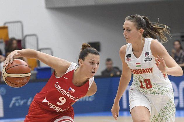 Zleva Lenka Bartáková z ČR a Réka Leliková z Maďarska.