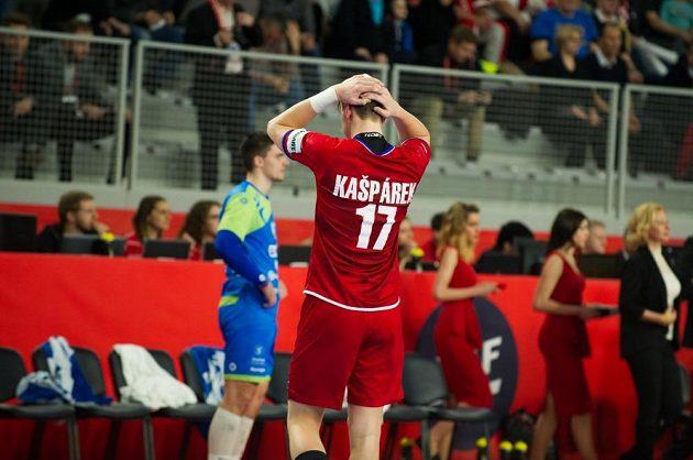 Stanislav Kašpárek po poslední střele do břevna.