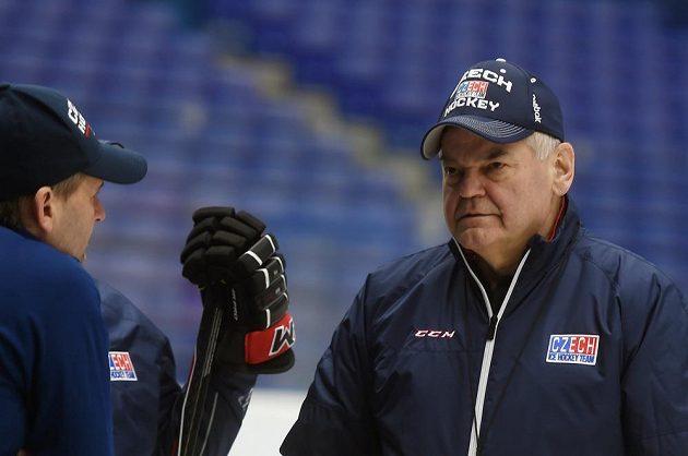 Kouč Vladimír Vůjtek (vpravo) před duely proti Rusku.