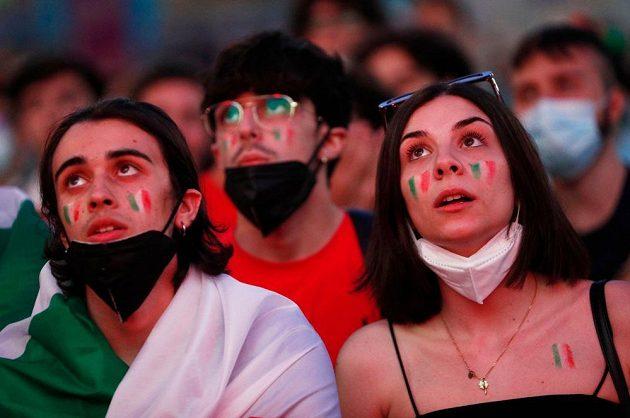 Pohled do tábora italských fanoušků.